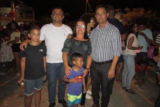 Prefeito Ananias André homenageia funcionários públicos