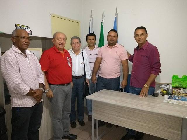 Prefeito Ananias André acompanhado de autoridades recebe gerente do Banco do Nordeste e firma parceria a população