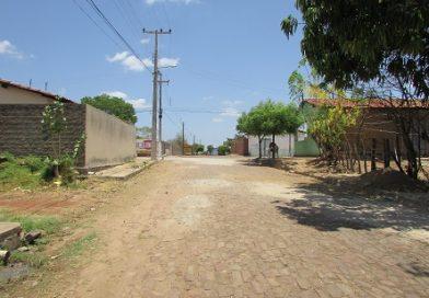 Obras em recuperação de ruas realizado pela Prefeitura